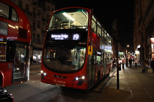 Arriva London DW450 on Route 19, Green Park