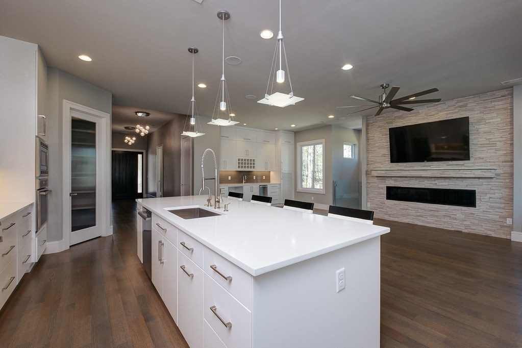 Dillon Homes can help you plan, design, and build your custom home in the Little Rock area. We handle lot assessment, architectural planning, interior design & budgeting assistance, construction scheduling, energy efficient construction, home automation & more.