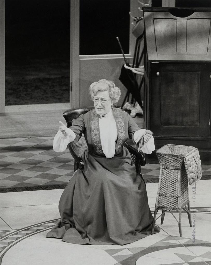 Elizabeth Spriggs (1929?008)