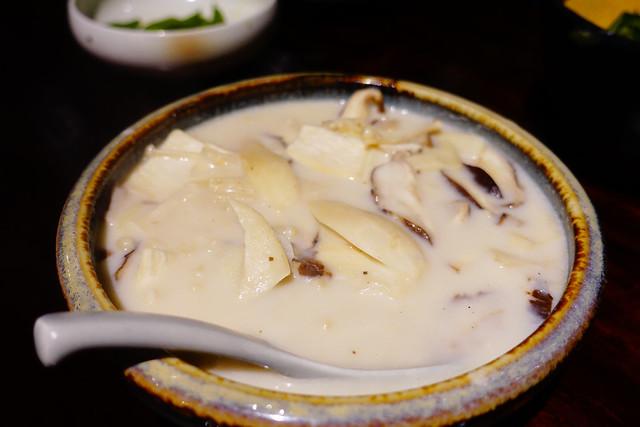 蒜味奶香綜合菇 (NTD$130)@花蓮老時光居酒屋