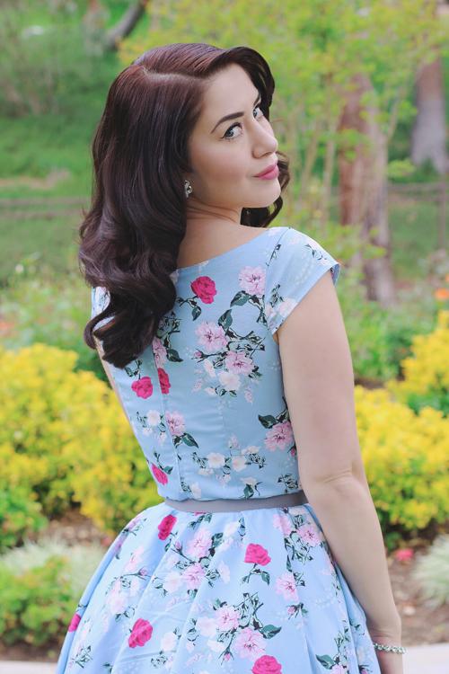 Top Vintage Hell Bunny 50s Belinda Floral Dress in Blue
