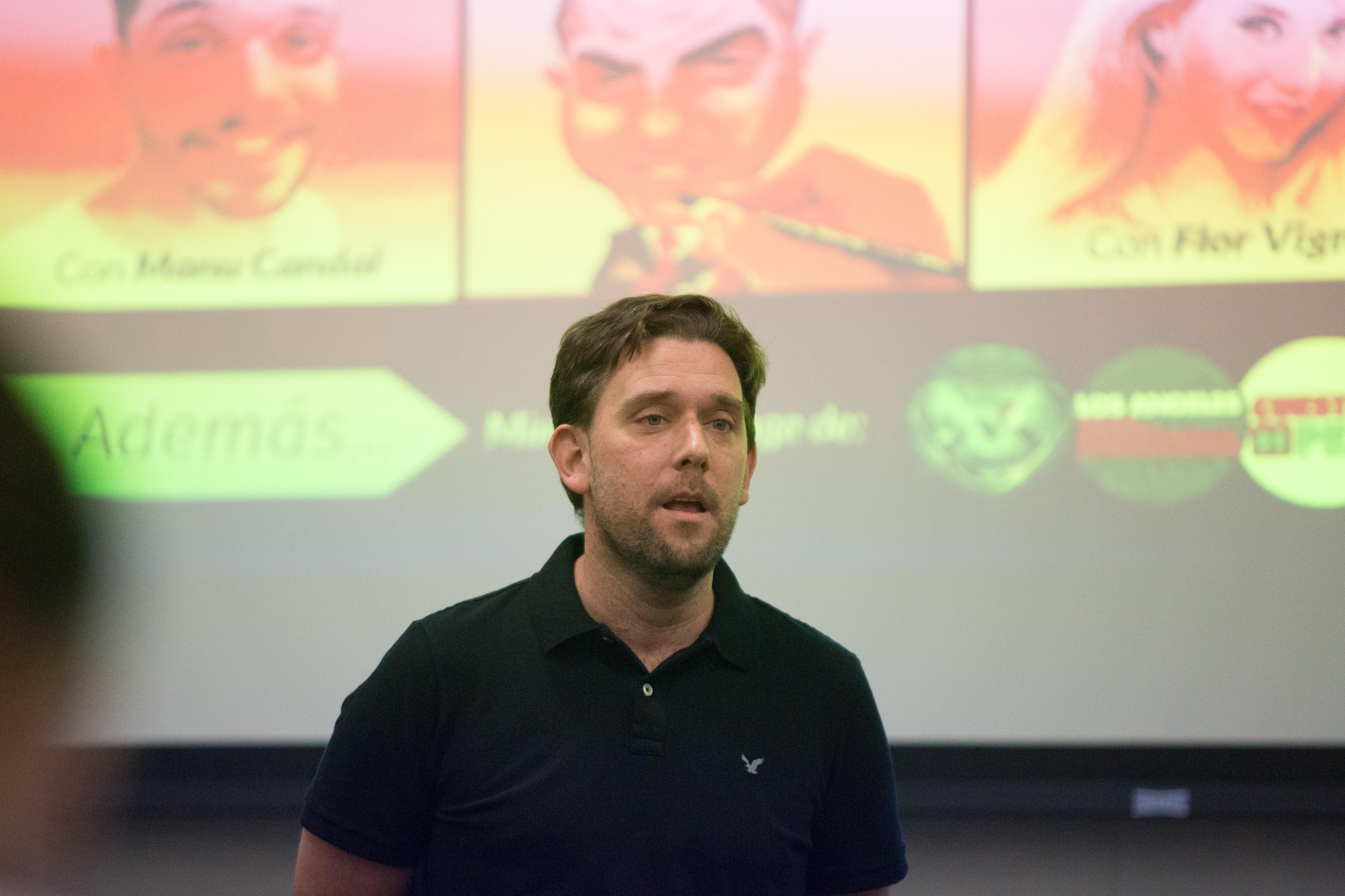 Agustín D'Empaire, gerente de plataformas digitales de ElTrece de Argentina, habló sobre la estrategia de redes sociales del canal. (Mary Kang/Knight Center)