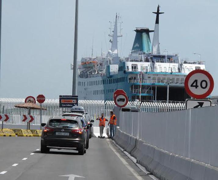 barco ferry balearia 11