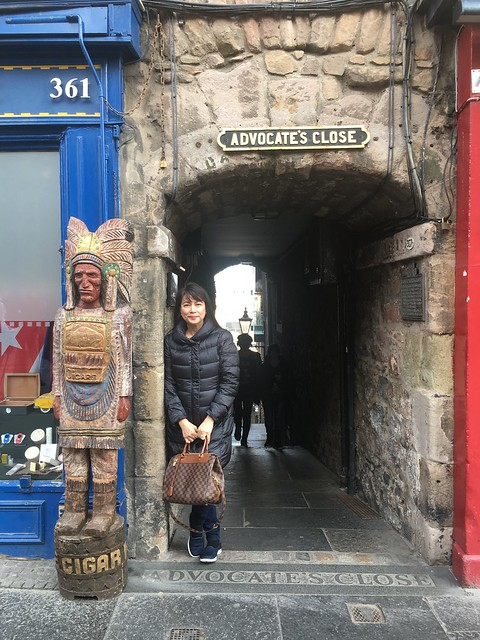 Edinburgh,  OMB and Indian statue