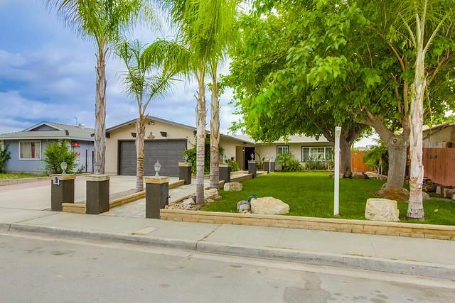 13137 Pino Court, Lakeside, CA 92040