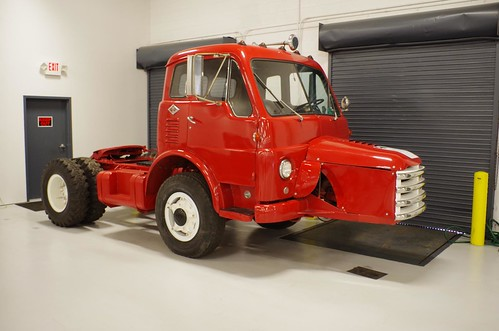 1957 Diamond T COE (Cab Over Engine) | What do you do if you… | Flickr