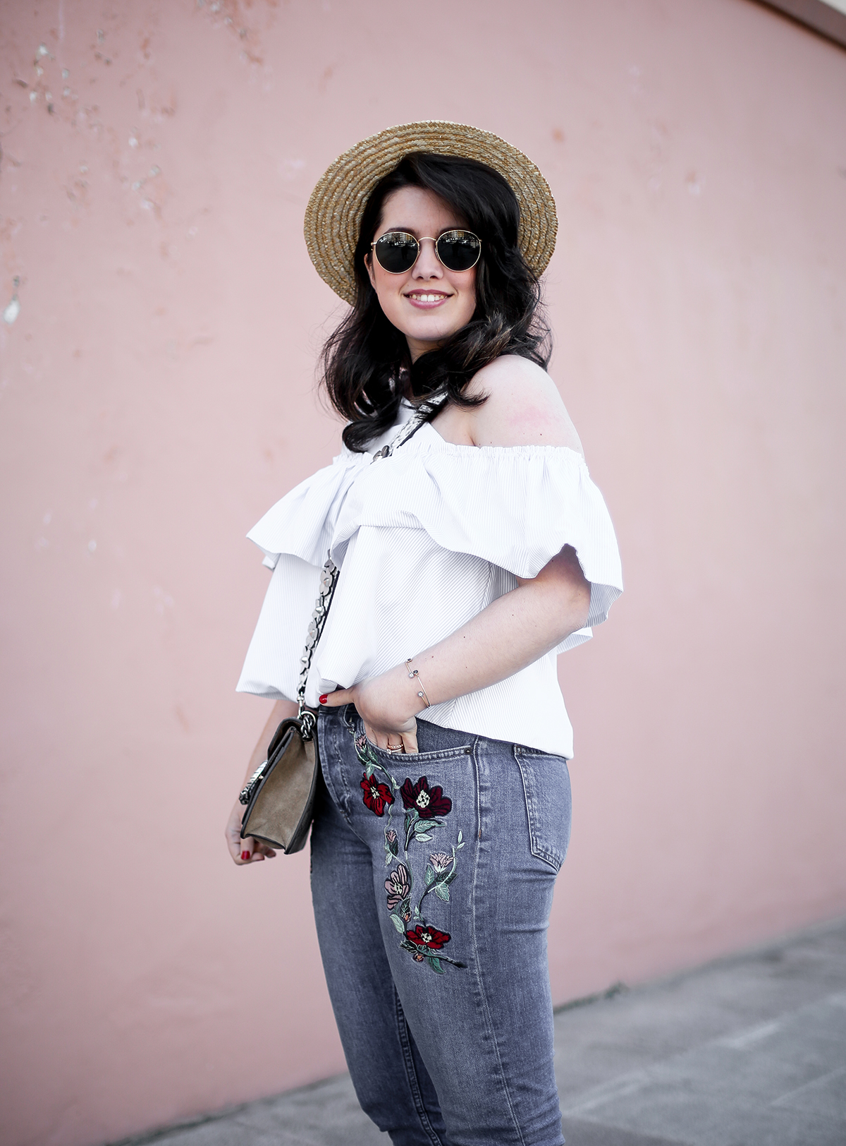 embroidered-jeans-topshop-knot-slippers-new-look-dionysus-off-shoulder-top-myblueberrynightsblog13