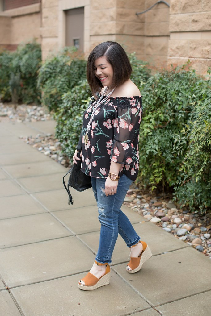 Floral Off the Shoulder Top-@headtotoechic-Head to Toe Chic