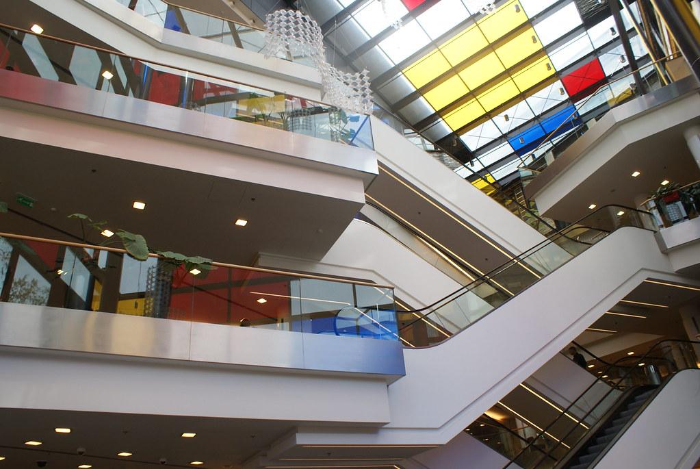 A l'intérieur du centre commercial Renoma à Wroclaw.