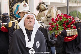 Noicattaro. La processione dei Misteri del Sabato Santo front