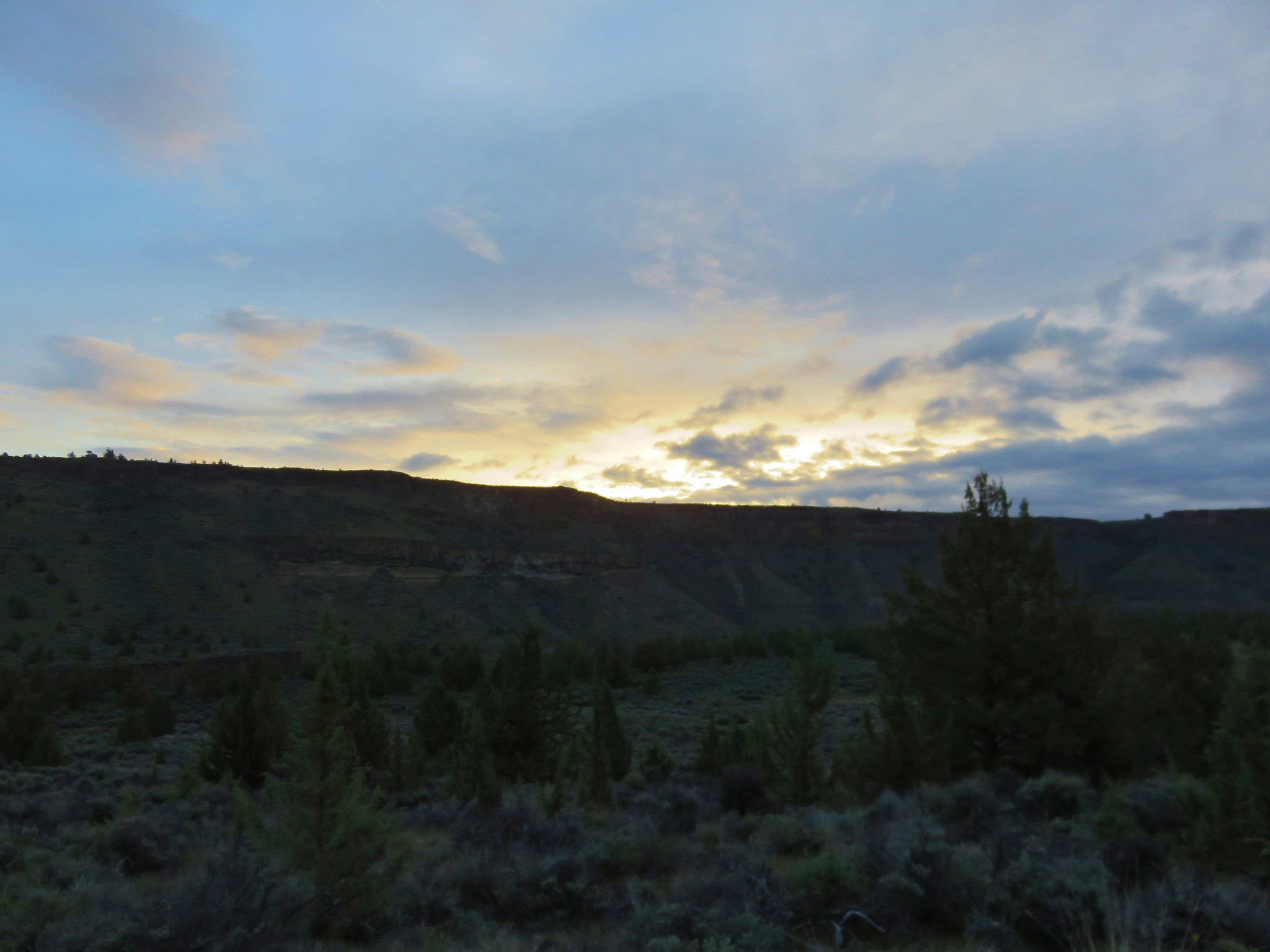 Sunrise over the Crooked River Gorge