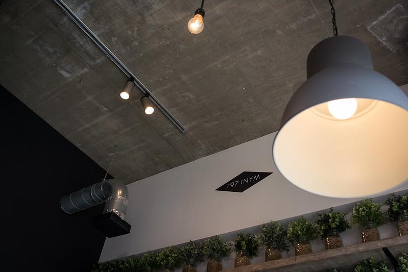 YR CAFE内装の写真2枚目