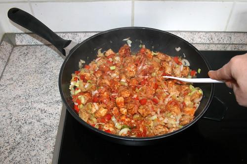 38 - Tomatenmark andünsten / Braise tomato puree