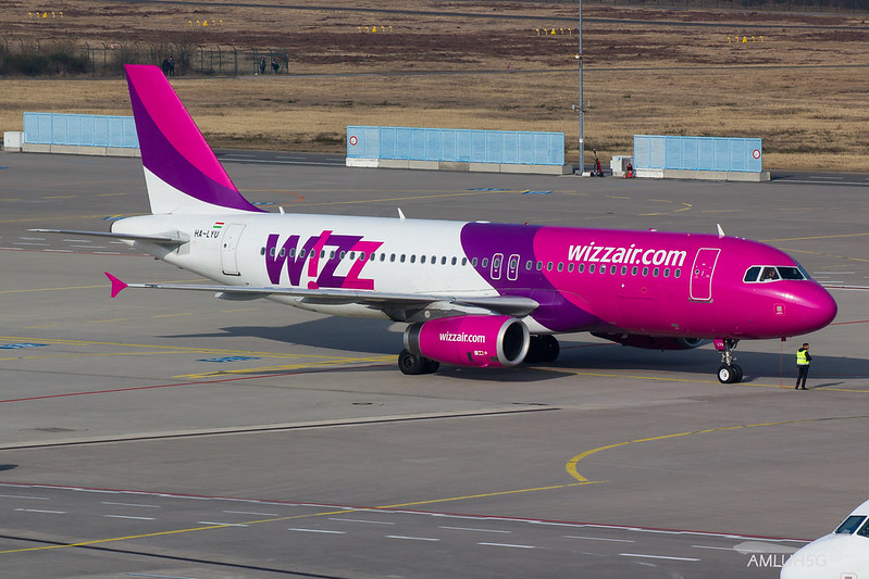 Wizzair - A320 - HA-LYU (1)