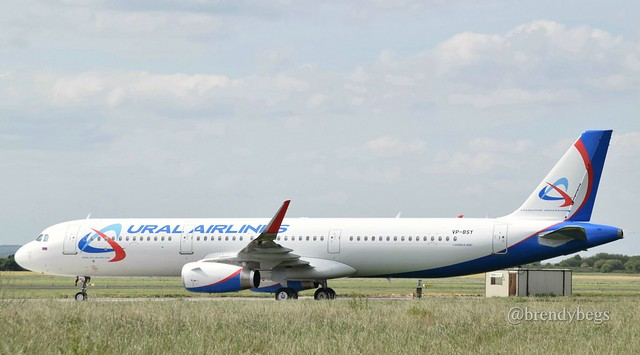 Ural airlines a321 vp-bsy at einn 5/5/17