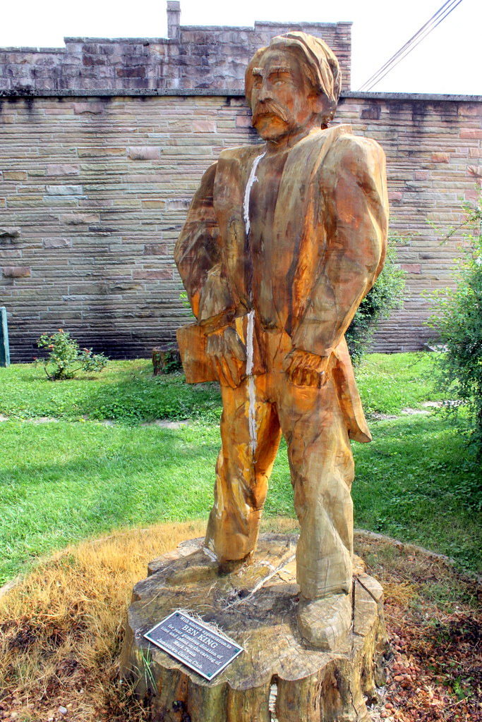 Mark twain chainsaw carving jamestown tn the parents