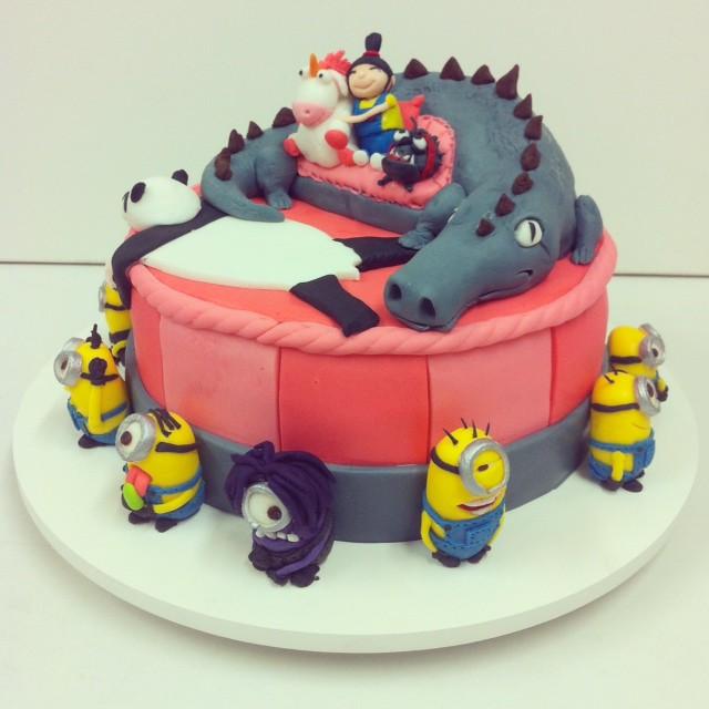 Cake Me Artinya : Bolo Meu Malvado Favorito! (Despicable Me Cake!) contato ...