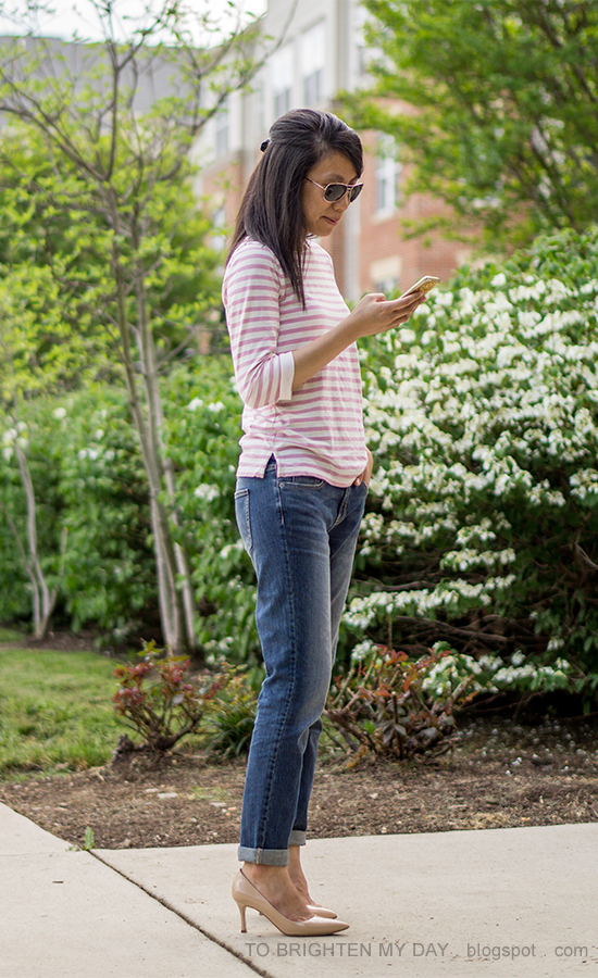 pink striped top, girlfriend jeans, taupe clutch, nude pumps