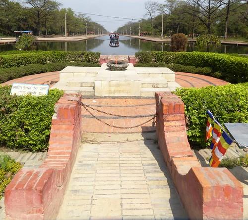 n-lumbini-Canal-entree (3)
