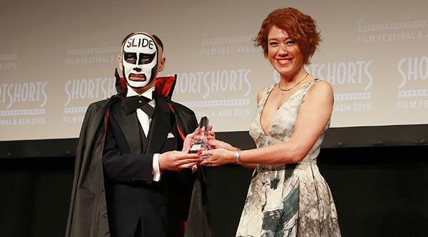 鉄拳『SLIDE』で国際短編映画祭ショートショートフィルムフェスティバル&アジア2015「話題賞」を受賞!