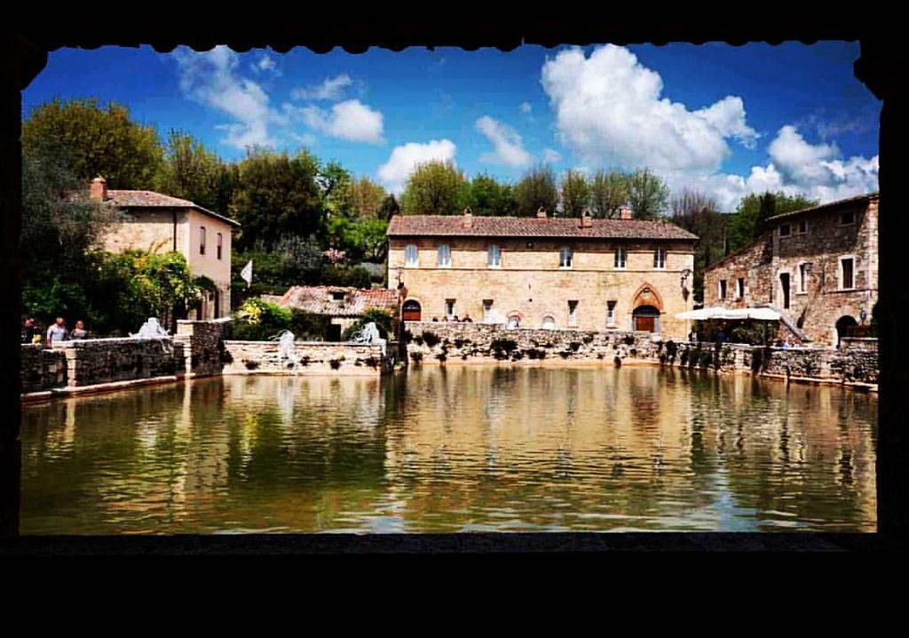 Bagno Vignoni (Siena), piscina termale. #toscana #tuscany … | Flickr