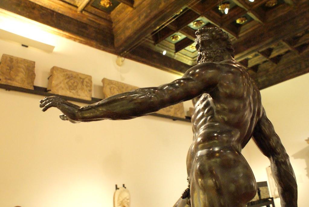 Sculpture de Jean de Bologne au museo civico medievale.