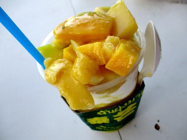 Thai mango ice cream drink