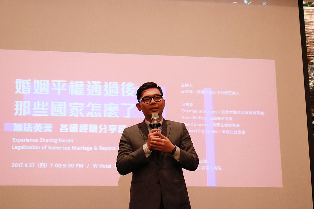 立委許毓仁重申對婚姻平權的支持並呼籲向選區立委表達支持婚姻平權,才能使法案在立法院中順利推動