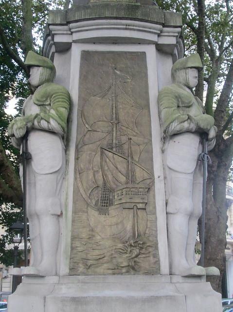 Avilés Statue Detail