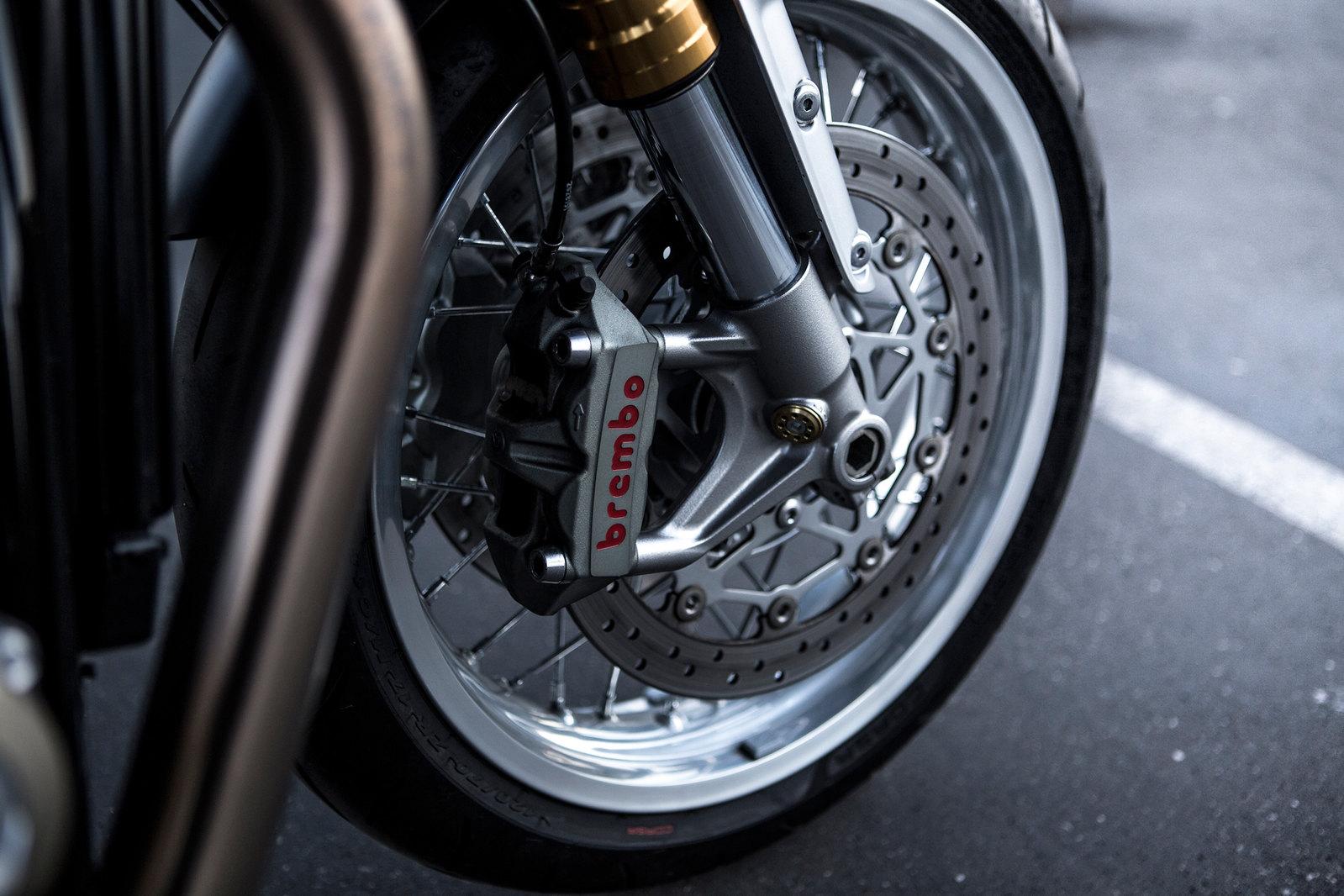 Essai-moto-Triumph-ThruxtonR (13)