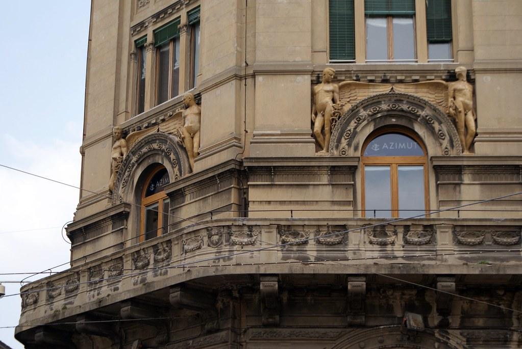 Palazzo Ronzani, mélange d'architecture renaissance et art nouveau sur la Piazza Maggiore à Bologne.