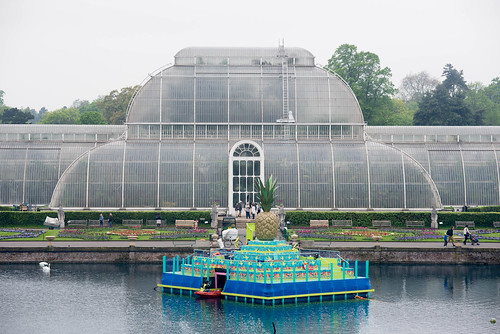 Tutti Frutti Boating Experience As Part Of Kew Gardens