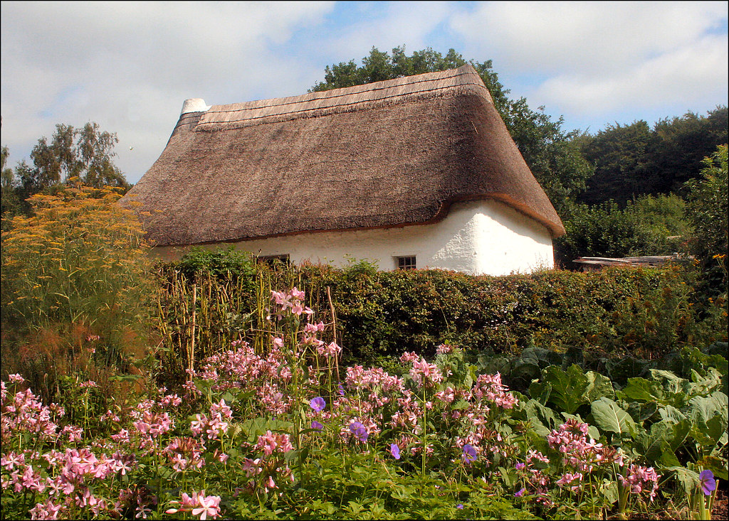 St Fagan S Thatch One Of The Cottages In St Fagan S