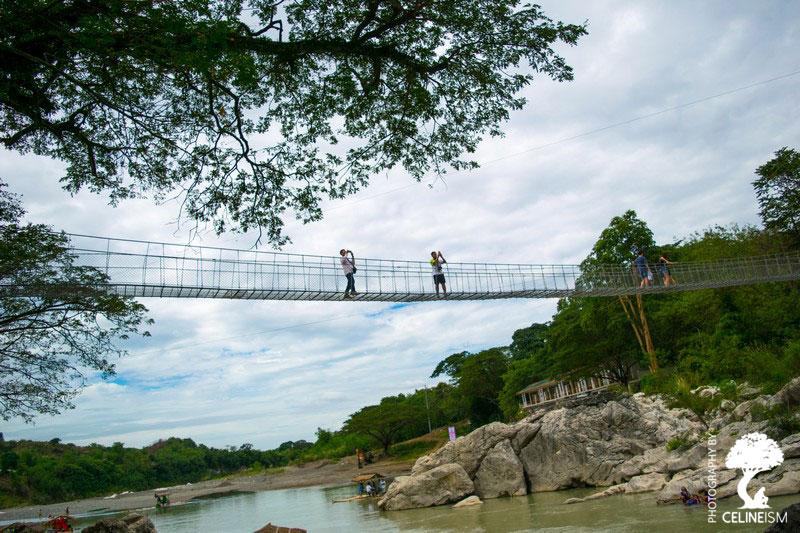 Hanging bridge over Minalungao River