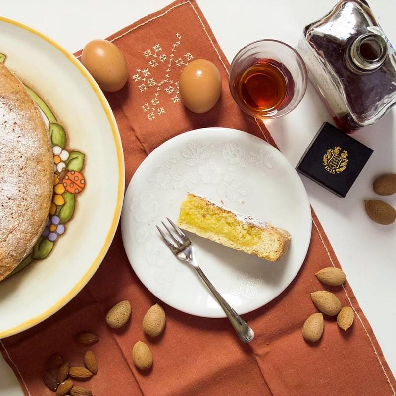 Almond tart [recipe by @_lucake_, modified]. HAPPY FATHER'S DAY 😘. Filter: 25% #Reala by @Pomelocam. photo #Fujifilm: ©Dolci Fusa