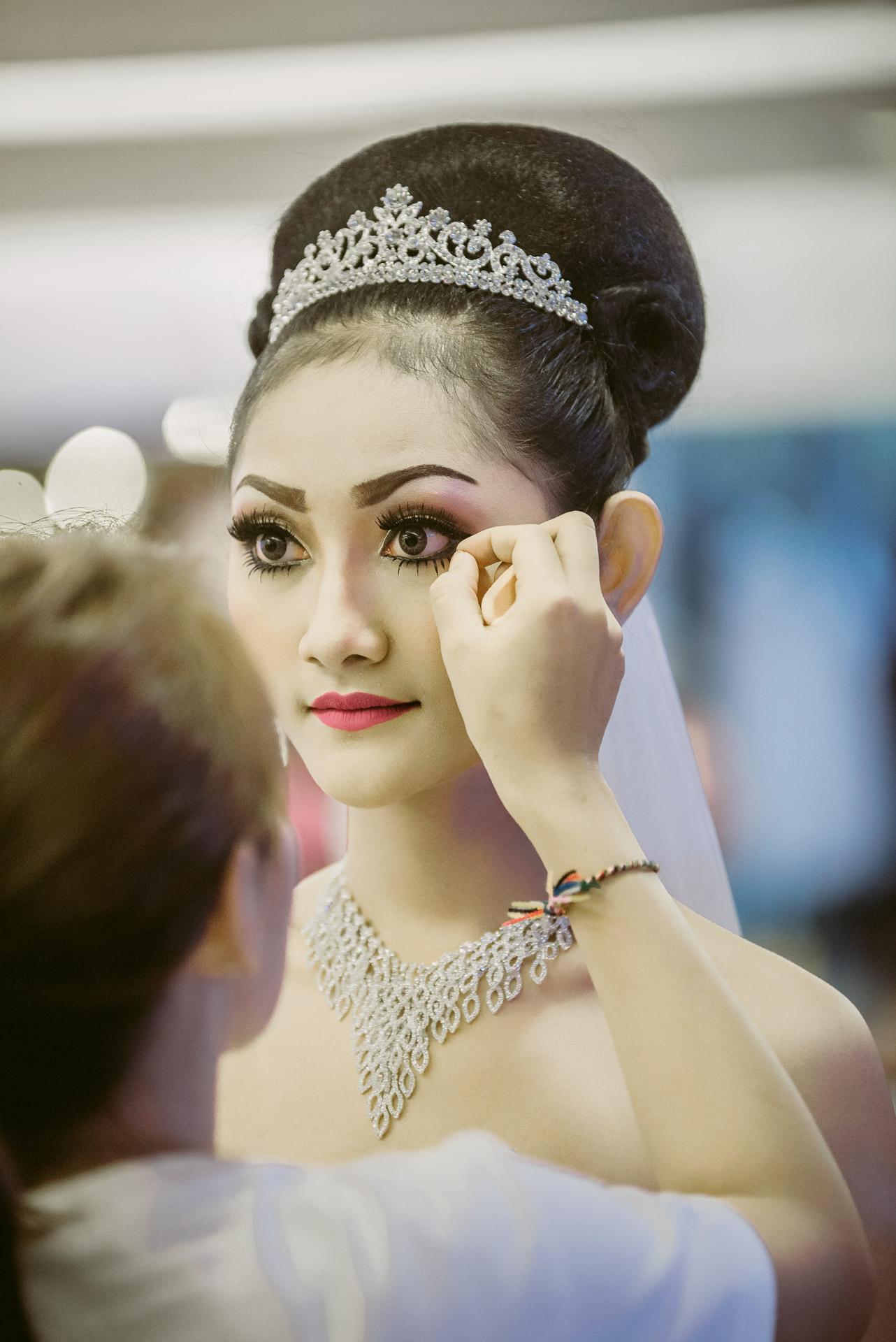 Sewa gaun bridal murah bali paket rias make up hairdo photo video dokumentasi