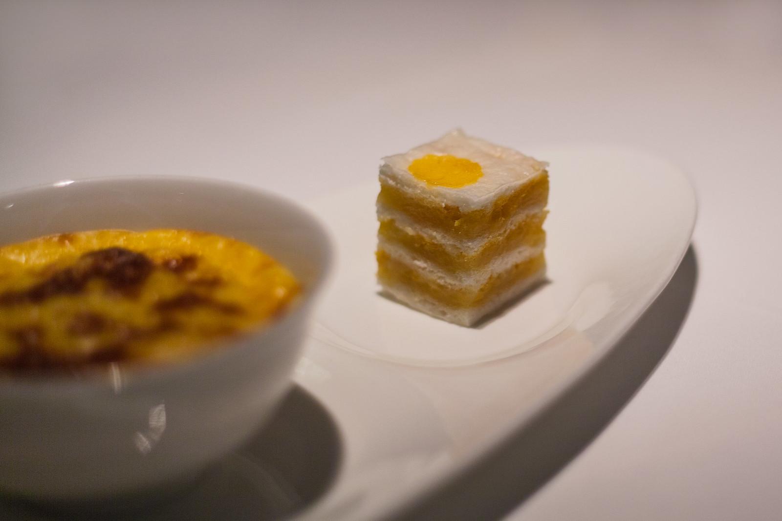 Egg Yolk Sponge Cake ( & Baked Sago Pudding )