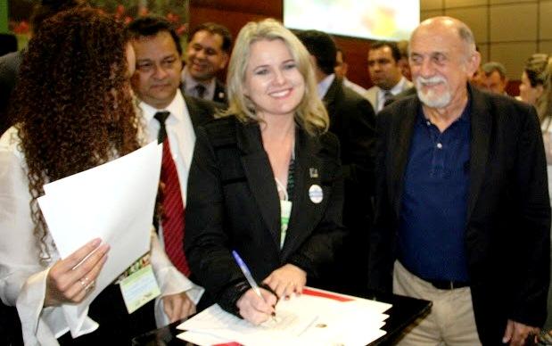 Prefeita abandona 'Brandão', e deve encarar reeleição com novo sobrenome nas urnas