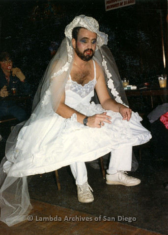 P099.058m.r.t Halloween: Bearded man in a wedding dress an… | Flickr