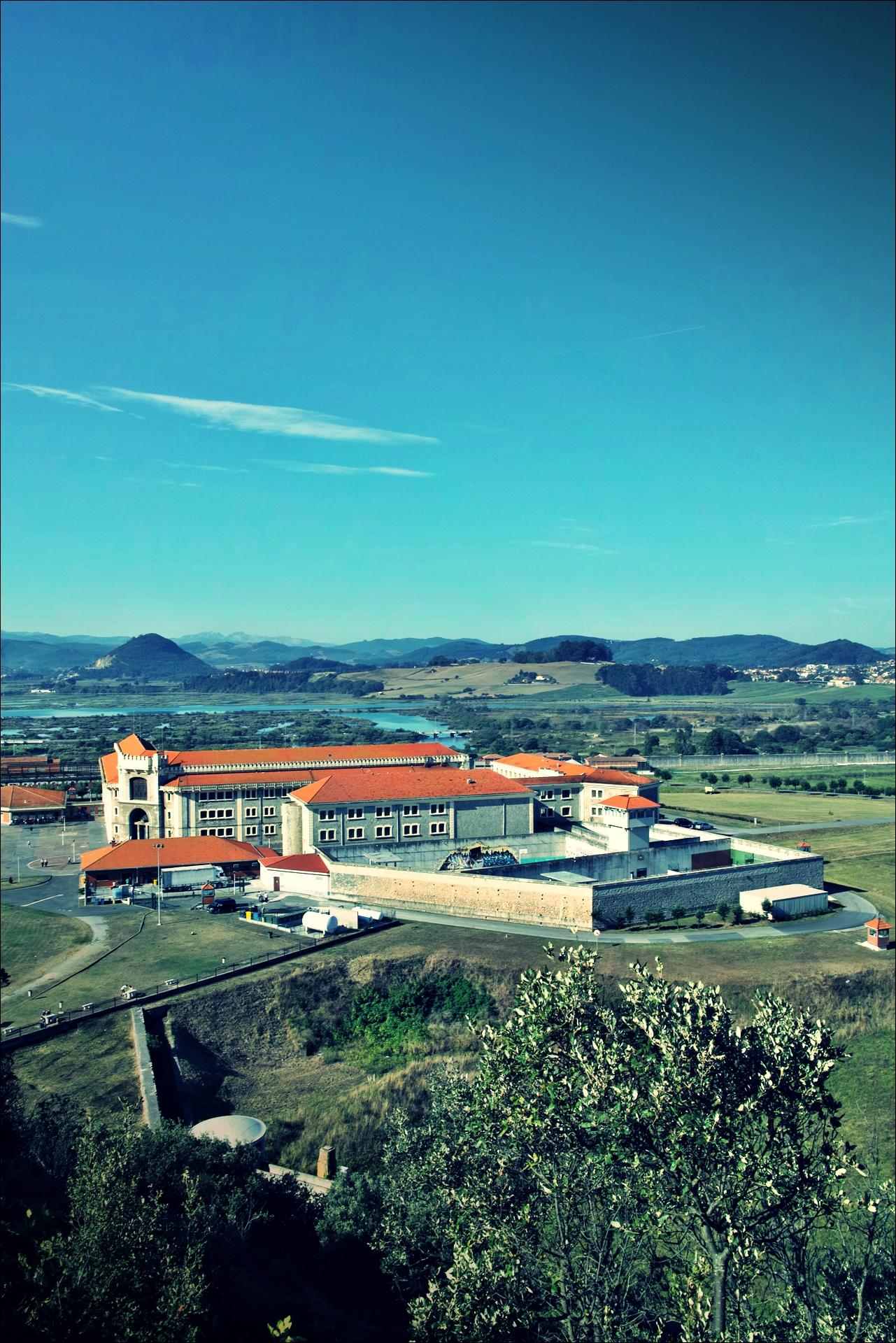 교도소-'카미노 데 산티아고 북쪽길. 산토냐에서 노하. (Camino del Norte - Santoña to Noja)'
