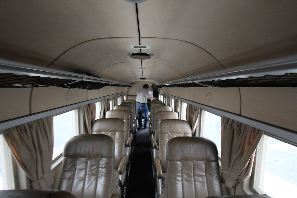 List of synonyms and antonyms of the word ju 52 interior for Interior sinonimos