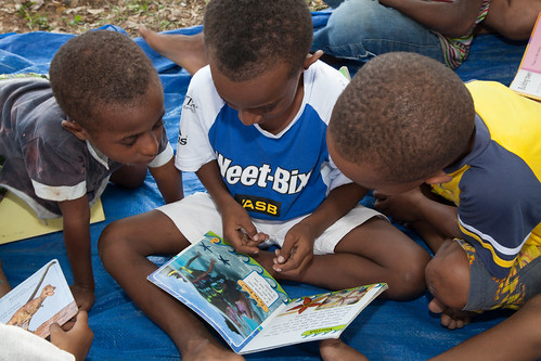 Children at Buk bilong Pikinini (books for children). Port Moresby, Papua New Guinea.