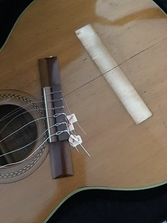 Guitar, removing bridge