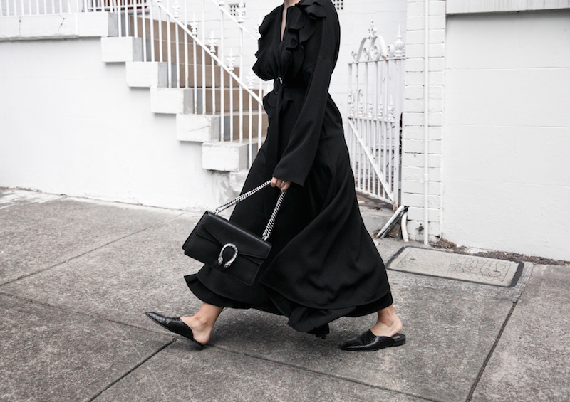 all black minimal street style gucci dionysus sunglasses mytheresa fashion blogger georgia alice frill dress loafer mules theundone  (6 of 11)