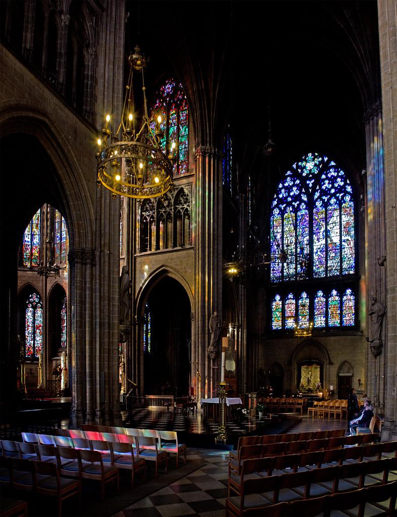 Sint petrus en pauluskerk oostende de neogotische sint for Interieur oostende
