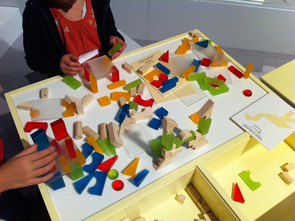 couleurs formes et harmonie cet atelier invite les enfant flickr. Black Bedroom Furniture Sets. Home Design Ideas