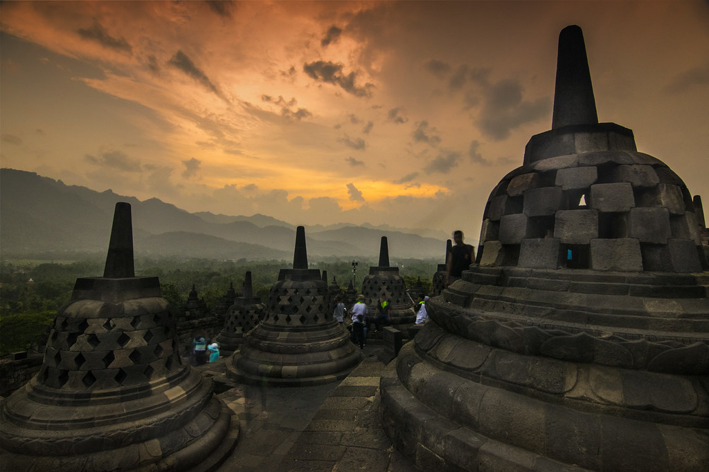 red sky - Borobudur
