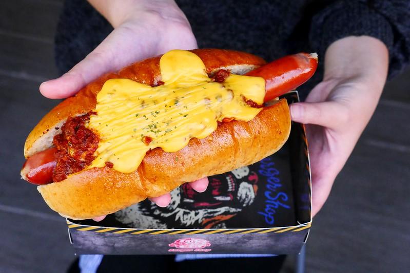 32106140113 acf930fc13 c - 【熱血採訪】堡彪專業美式漢堡:看電影也能享受外帶豪邁工業風漢堡!每層6.5盎司三倍純牛肉起司漢堡真材實料好推薦!