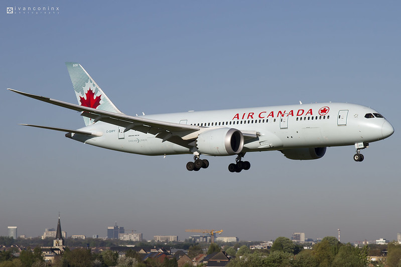 Boeing 787-8 Dreamliner – Air Canada – C-GHPY – Brussels Airport (BRU EBBR) – 2017 04 19 – Landing RWY 01 – 01 – Copyright © 2017 Ivan Coninx