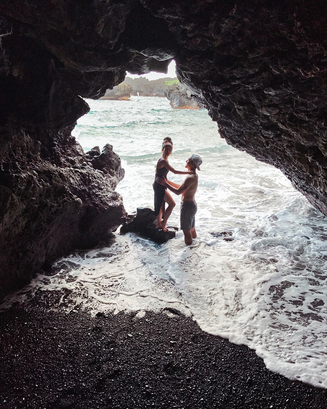 road to hana black sand beach volcanic caves maui hawaii